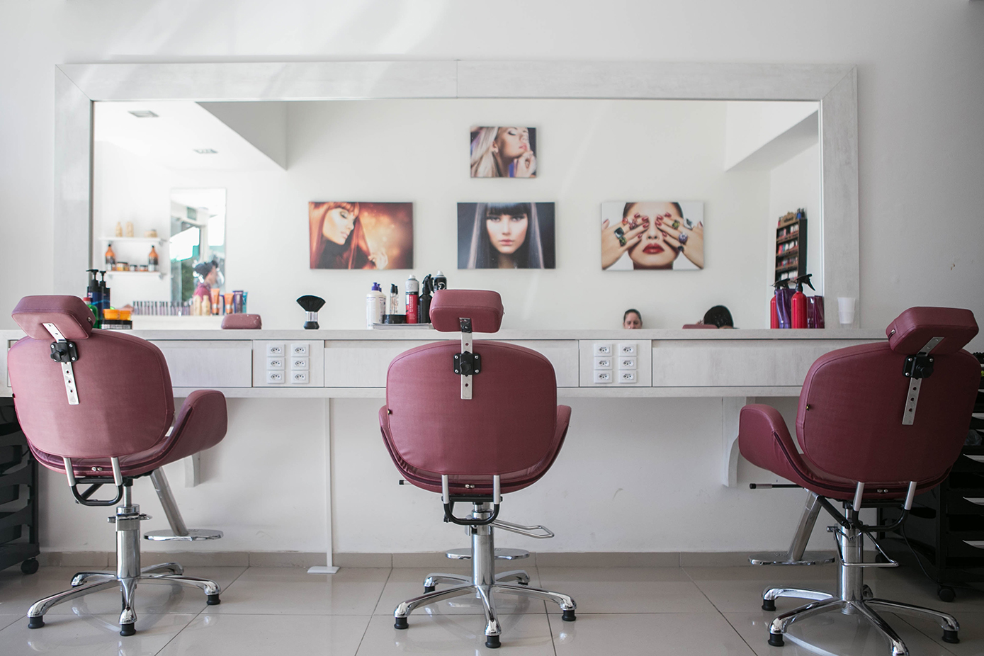 how to attract customers to a beauty salon